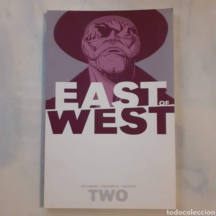 EAST OF WEST. TWO. IMAGE COMICS. 2014. USA. 26 X 17 CM. (Tebeos y Comics - Comics Lengua Extranjera - Comics USA)