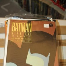 Cómics: BATMAN YEAR ONE PAPERBACK 1988 DC USA FRANK MILLER. Lote 206502760