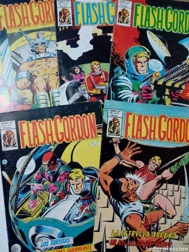 LOTE DE 5 NÚMEROS DE FLASH GORDON, VOL. 2 (NºS: 17, 26, 28, 29, 37) - EDITORIAL VÉRTICE - (Tebeos y Comics - Vértice - Flash Gordon)