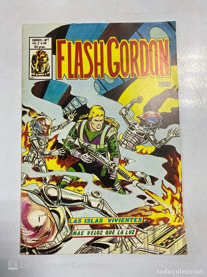 TEBEO.FLASH GORDON. LAS ISLAS VIVIENTES. MAS VELOZ QUE LA LUZ. VOL 2 - Nº 39 (Tebeos y Comics - Vértice - Flash Gordon)