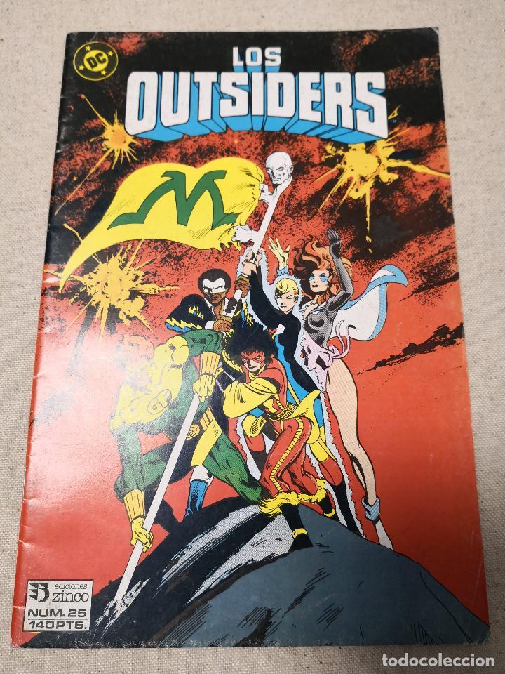 LOS OUTSIDERS 25 (Tebeos y Comics - Zinco - Outsider)