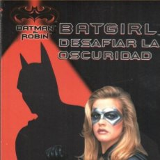 Cómics: BATGIRL : DESAFIAR LA OSCURIDAD (DE DOUG MOENCH). PRECINTADO. Lote 160352170