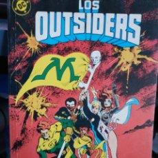 Cómics: RETAPADO DE LOS OUTSIDERS (3 CÓMICS, Nº 24, 26 Y ESPECIAL VERANO 1988 ). Lote 161390596
