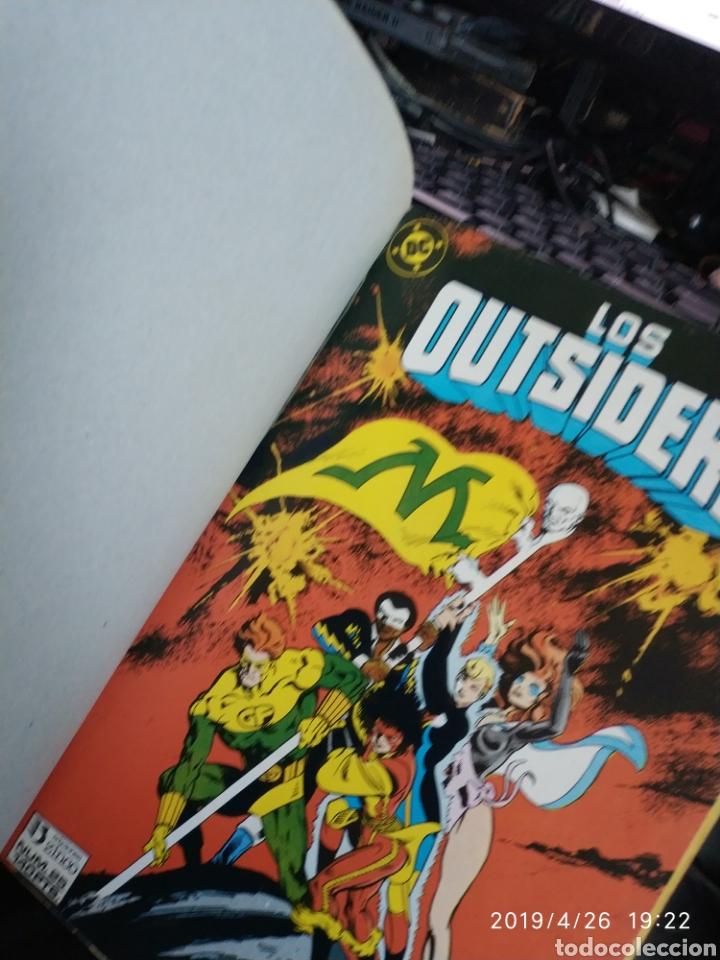 Cómics: RETAPADO DE LOS OUTSIDERS (3 CÓMICS, Nº 24, 26 Y ESPECIAL VERANO 1988 ) - Foto 2 - 161390596