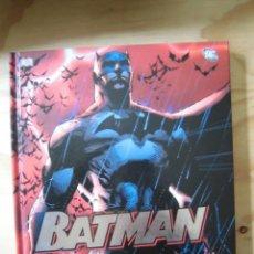 Cómics: BATMAN THE WORLD OF THE DARK KNIGHT DC EN INGLÉS. Lote 184844368