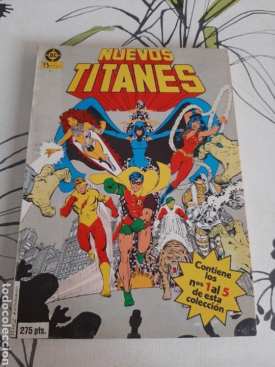 NUEVOS TITANES RETAPADO CON LOS 5 PRIMEROS NÚMEROS DEL VOLUMEN UNO, LOS GRANDES (Tebeos y Comics - Zinco - Nuevos Titanes)
