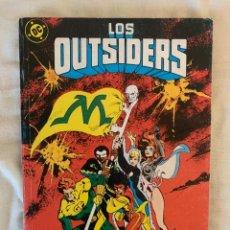 Cómics: LOS OUTSIDERS NºS 25 26 Y ESPECIAL VERANO EN UN TOMO. Lote 288501323