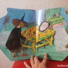 Cómics: CUENTO POP UP SORPRESA LIBRO LA POCIMA DE BELLEZA DE LA BRUJA ZELDA 2002 EDITORIAL MOLINO. Lote 98546811