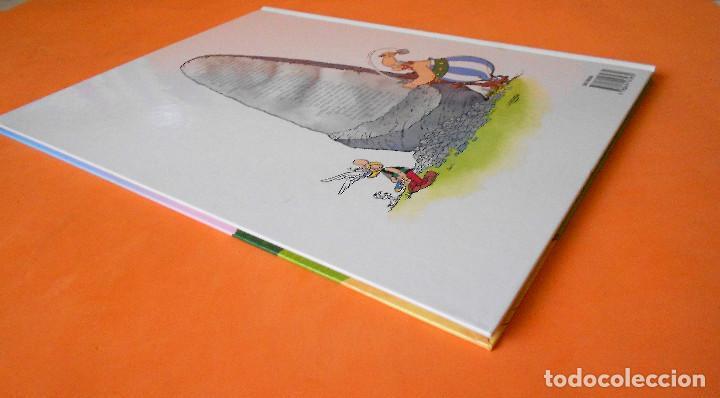Cómics: Asterix y lo nunca visto - Salvat (2014). Tapa dura. Impecable - Foto 2 - 115832355
