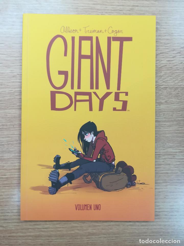 GIANT DAYS #1 (FANDOGAMIA) (Tebeos y Comics - Comics otras Editoriales Actuales)