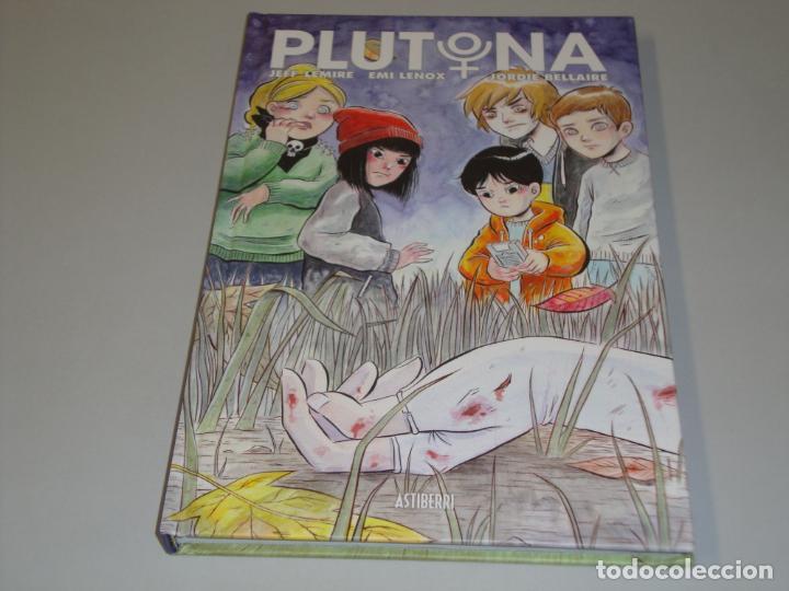PLUTONA (Tebeos y Comics - Comics otras Editoriales Actuales)