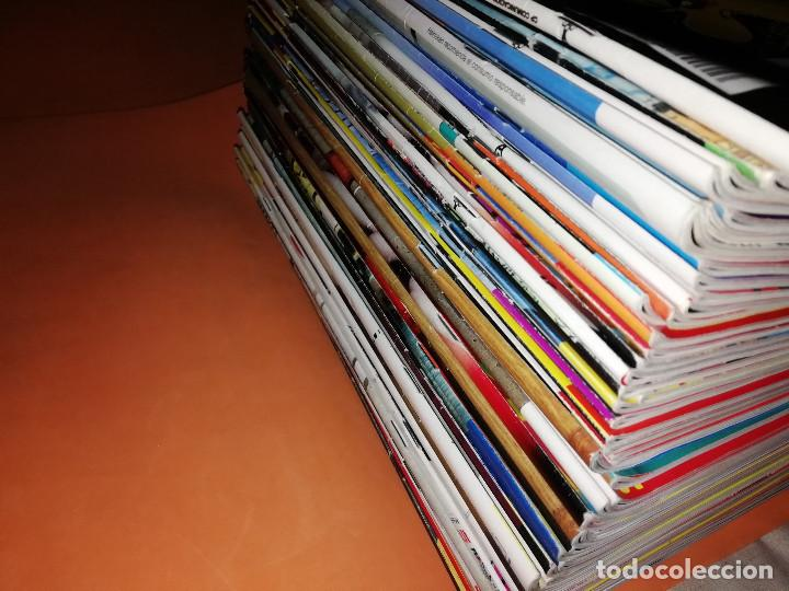 Cómics: EL JUEVES. REVISTA.LOTE . NUMEROS DEL 1275 AL 1335. 61 REVISTAS. BUEN ESTADO GENERAL - Foto 2 - 171583510