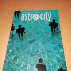 Cómics: ASTRO CITY. HEROES LOCALES. KURT BUSIEK. WORLD COMICS. PRESTIGE.. Lote 182505581