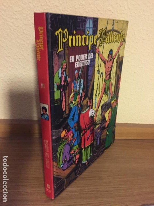 PRINCIPE VALIENTE TOMO III - EN PODER DEL ENEMIGO - BURU LAN 1972 - HAL FOSTER - ¡MUY BUEN ESTADO! (Tebeos y Comics - Buru-Lan - Principe Valiente)