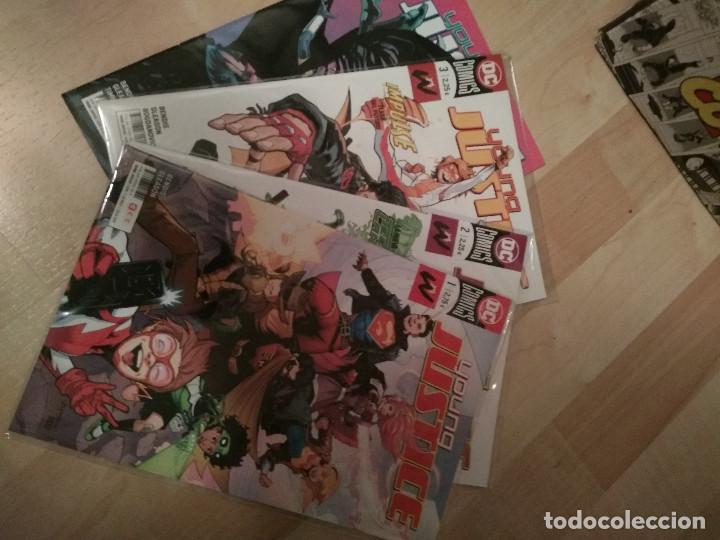 4 PRIMERAS GRAPAS YOUNG JUSTICE SERIE ACTUAL DC / ECC (Tebeos y Comics - Comics Colecciones y Lotes Avanzados)