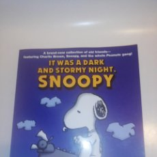 Cómics: IT WAS A DARK AND STORMY NIGHT , SNOOPY BY CHARLES M. SCHULZ. Lote 194357930