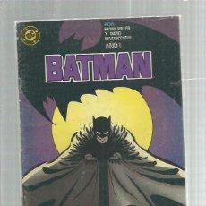 Cómics: BATMAN 2 AÑO 1 CON REGALO SORPRESA. Lote 195468677