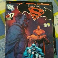 Cómics: LIBRO SUPERMANBATMAN 17. Lote 221858228
