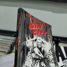 Cómics: FRANK MILLER SIN CITY PRIMERA HORA DICION 1994 MUY BUEN ESTADO. Lote 244484325