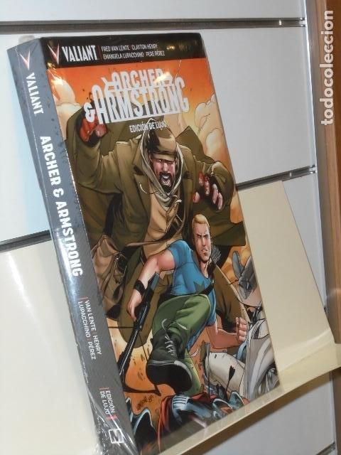 ARCHER & ARMSTRONG EDICION DE LUJO 1 TOMO CARTONÉ VALIANT - MEDUSA COMICS (Tebeos y Comics - Comics otras Editoriales Actuales)