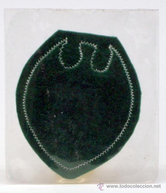 Coleccionismo deportivo: Escudo fútbol Valencia Fútbol Club tela bordada borde verde años 60 6,5 cm x 6 cm - Foto 2 - 36538852