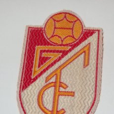 Coleccionismo deportivo: ESCUDO DEL GRANADA F.C,PARA COSER EN CAMISETA,AÑOS 70. Lote 49140032