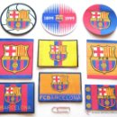 Coleccionismo deportivo: 9 ESCUDOS TELA PARCHE FC BARCELONA CAMISETA PANTALON OFICIAL DIFEREN. Y TERMOAD.. Lote 51195876