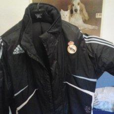 Coleccionismo deportivo: ABRIGO ADIDAS REAL MADRID. Lote 52962090