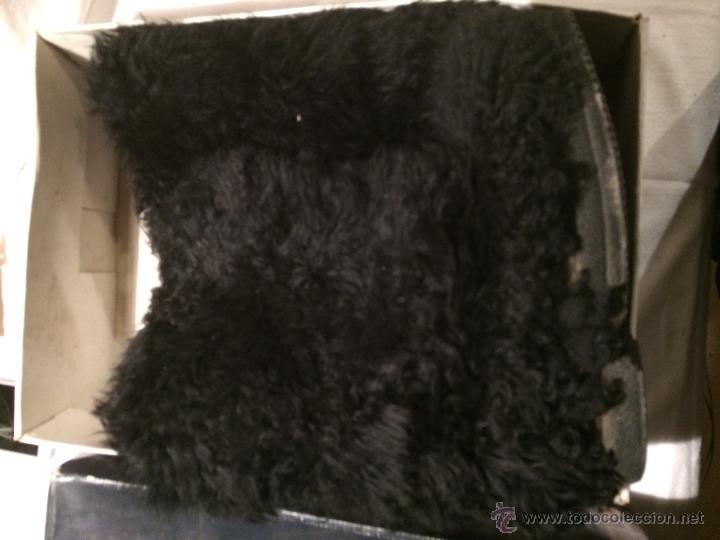 Coleccionismo deportivo: antiguas botas negras de nieve peludas, forradas. Talla 39 . esquí - Foto 3 - 53228805