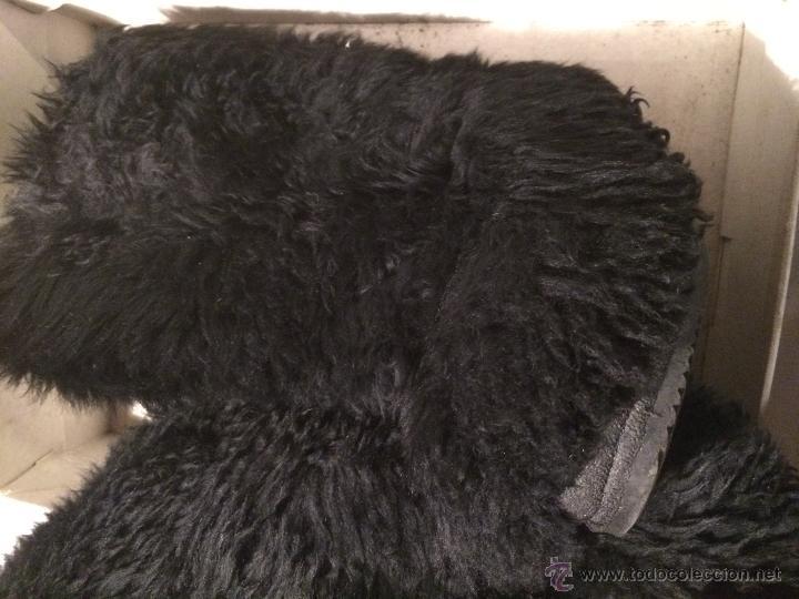 Coleccionismo deportivo: antiguas botas negras de nieve peludas, forradas. Talla 39 . esquí - Foto 5 - 53228805