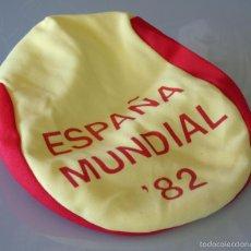Coleccionismo deportivo: GORRA GORRITA DE CHULAPO DEL MUNDIAL DE FÚTBOL ESPAÑA 82 1982. ORIGINAL DE ÉPOCA. 50 GR. Lote 290962018