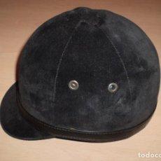 Coleccionismo deportivo: CASCO DE HIPICA EN MUY BUEN ESTADO - THE PREMIER TRADITIONAL RIDING HAT.. Lote 63604632