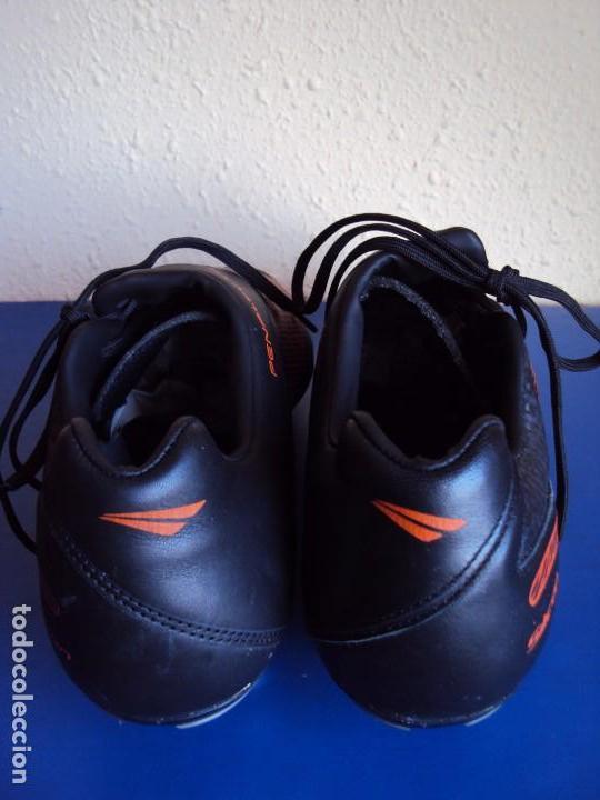 Coleccionismo deportivo: (F-161263)BOTAS DE FUTBOL MARCA PENALTY S11 DE VICTOR VALDES , F.C.BARCELONA , MATCH WORN - Foto 5 - 69364553