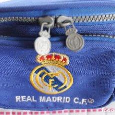 Coleccionismo deportivo: RIÑONERA DEL REAL MADRID-AÑOS 80-90. Lote 190140347