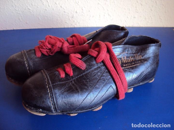 (F-161266)ANTIGUAS BOTAS DE FOOT-BALL , MARCA MATOLLO (Coleccionismo Deportivo - Ropa y Complementos - Complementos deportes)