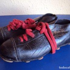 Coleccionismo deportivo: (F-161266)ANTIGUAS BOTAS DE FOOT-BALL , MARCA MATOLLO. Lote 70137577