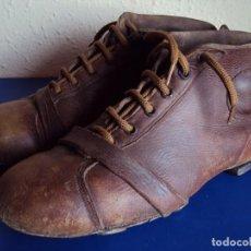 Coleccionismo deportivo: (F-170356)BOTAS ANTIGUAS FOOT-BALL , ORIGINALES. Lote 80066769
