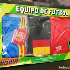 Coleccionismo deportivo: ANTIGUA EQUIPACION DE FÚTBOL SELECCIÓN ESPAÑOLA . Lote 80400369