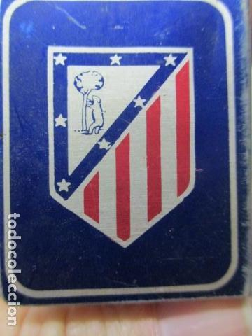 Coleccionismo deportivo: Cubre cerillas metalico con escudo de Atletico de Madrid y propaganda PATENTADO - Luz potente y conz - Foto 5 - 85704496