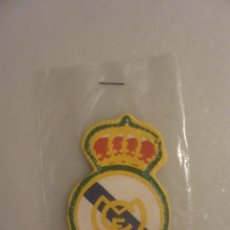 Coleccionismo deportivo: ESCUDO TELA PARA CAMISETA REAL MADRID. Lote 102289795