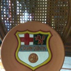 Coleccionismo deportivo: ALMERIA FUTBOL. C. D. SAN QUINTIN PLATO CERAMICA ESMALTADA. Lote 110105892