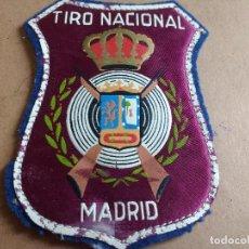 Coleccionismo deportivo: ANTIGUO PARCHE DEL TIRO NACIONAL ESCOPETA MADRID AÑOS 60. Lote 120555755