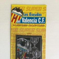 Coleccionismo deportivo: PARCHE DE TELA TERMOADHESIVO VALENCIA CF COPAS Y ESCUDO. Lote 122812475
