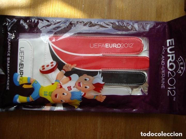 Coleccionismo deportivo: UEFA EURO 2012 PAR GUANTES FUTBOL PORTERO NUEVOS - Foto 8 - 149356662