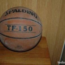 Coleccionismo deportivo: BALON BALONCESTO SPALDING TF 150 ....AÑOS 80 VER FOTOS. Lote 151708790