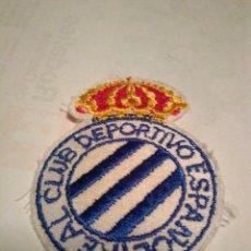 Coleccionismo deportivo: ESCUDO BORDADO REAL CLUB DEPORTIVO ESPAÑOL ANTIGUO ESCUDO. Lote 151882588