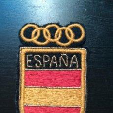 Coleccionismo deportivo: PARCHE DE TELA BORDADO BANDERA DE ESPAÑA JUEGOS OLÍMPICOS COE - EMBLEMA BORDADO - AROS OLIMPIADAS. Lote 155583472