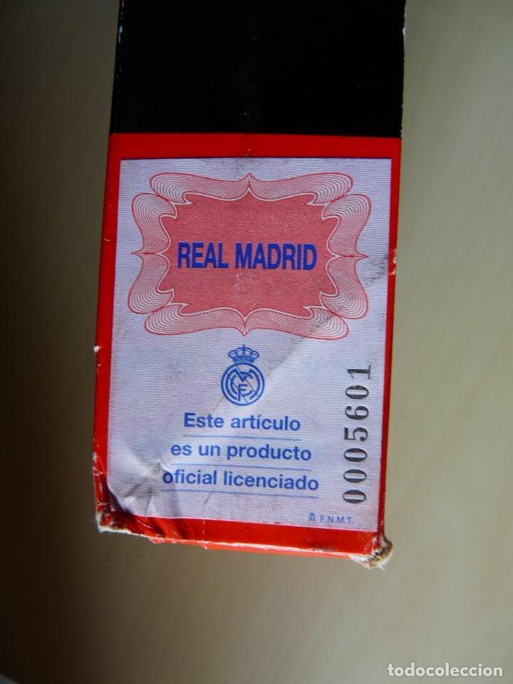 Coleccionismo deportivo: Guantes de portero Uhlsport Real Madrid - Foto 2 - 159132994