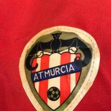 Coleccionismo deportivo: ANTIGUA GORRA DE FUTBOL AT MURCIA COLECCIONISTA DEPORTIVO VINTAGE. Lote 163710093