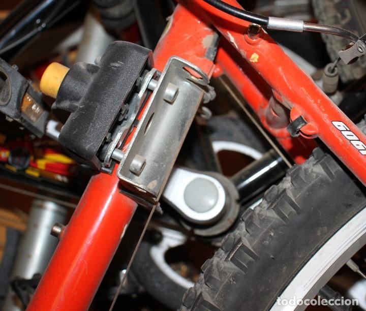 Coleccionismo deportivo: Silla de bici portaniño homologada (PVP, sobre los 40 euros) - Foto 2 - 161595482